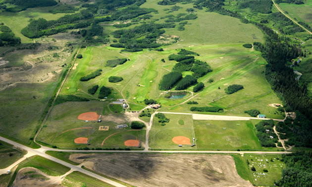 Aerial view of Elk Point Golf and Country Club.
