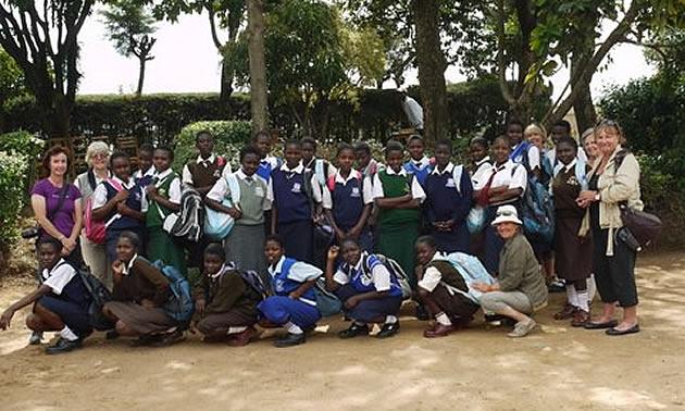 photo of a group of Kenyan girls